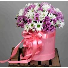 Хризантемы в шляпной коробке