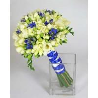 Свадебный букет невесты с синими цветами