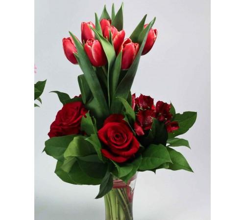 Букет с тюльпанами Яркий