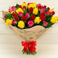 51 разноцветная роза в крафте